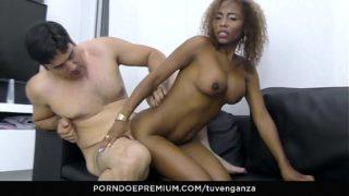 Negra Sexy Cogiendo con Otro por Despechada