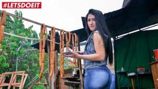 Lola Puentes Un Hermoso Culo de Colombiana Culeando con Negro