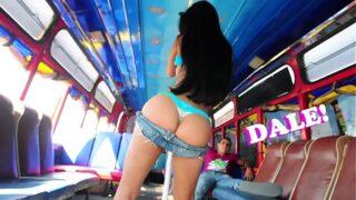 Natasha Una Trigueña Chimba Culeada en el Bus!